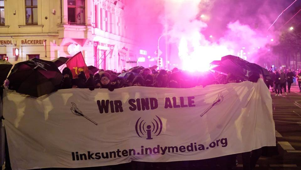 """Bullen jagen"": Linksradikale Demonstration in Leipzig eskaliert"