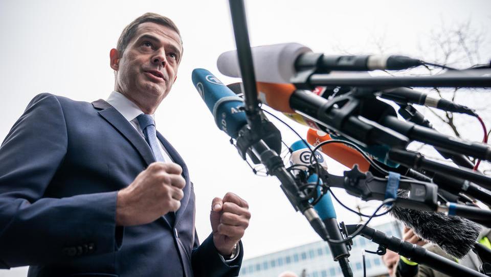 Thüringen: Parteien suchen Weg aus der Staatskrise