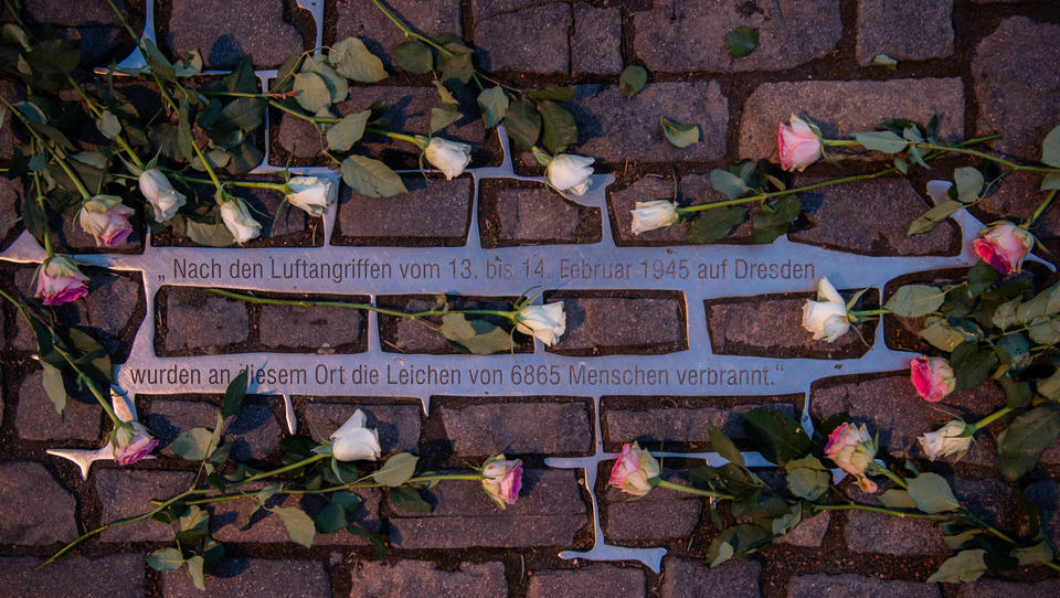 Linksjugend provoziert bei Dresden-Gedenken