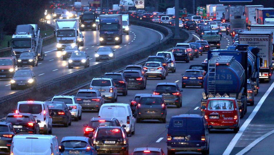Neue Regeln, härtere Strafen: Was sich jetzt für Autofahrer ändert