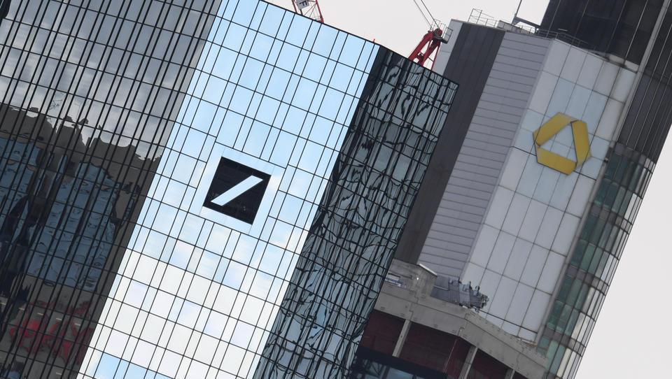 Große Risiken für Eigenkapital bei Deutscher Bank und Commerzbank