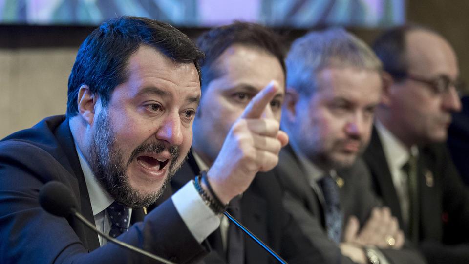 """Salvini über Corona-Finanzhilfen: """"Ich traue weder Peking noch Berlin"""""""