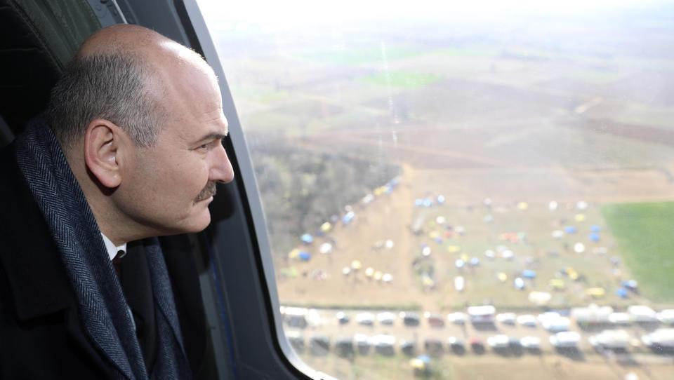 Erdogan entsendet Spezialeinheiten, um Migranten in die EU zu drängen