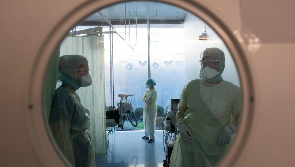 Europas Krankenhäuser am Limit: Jetzt rächen sich Jahrzehnte des neoliberalen Abbaus