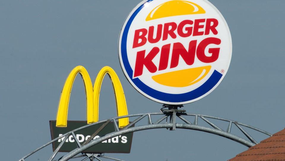 Burger King macht Werbung für McDonalds