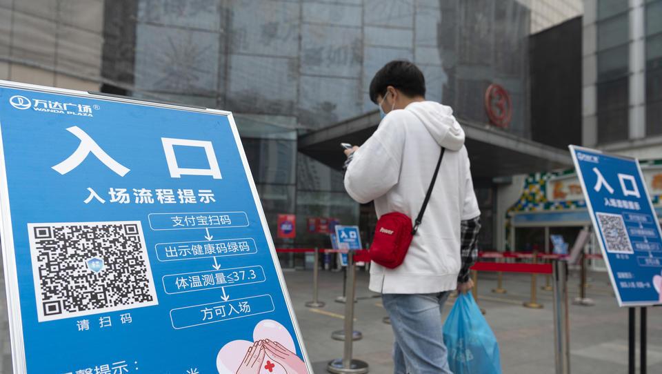Totale Kontrolle? China fordert globales Gesundheits-Code-System, um Reisen zu erlauben
