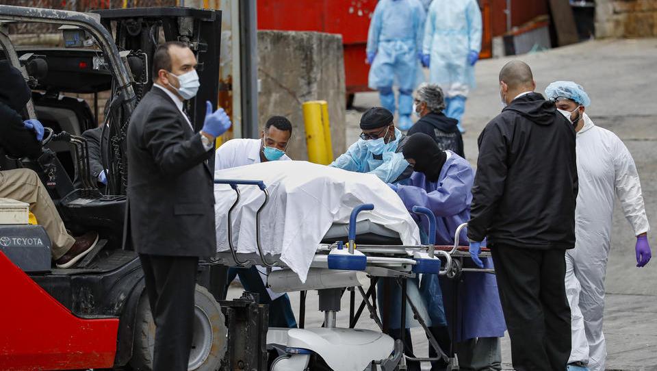 Katastrophenhilfe fordert 100.000 Leichensäcke beim Pentagon an