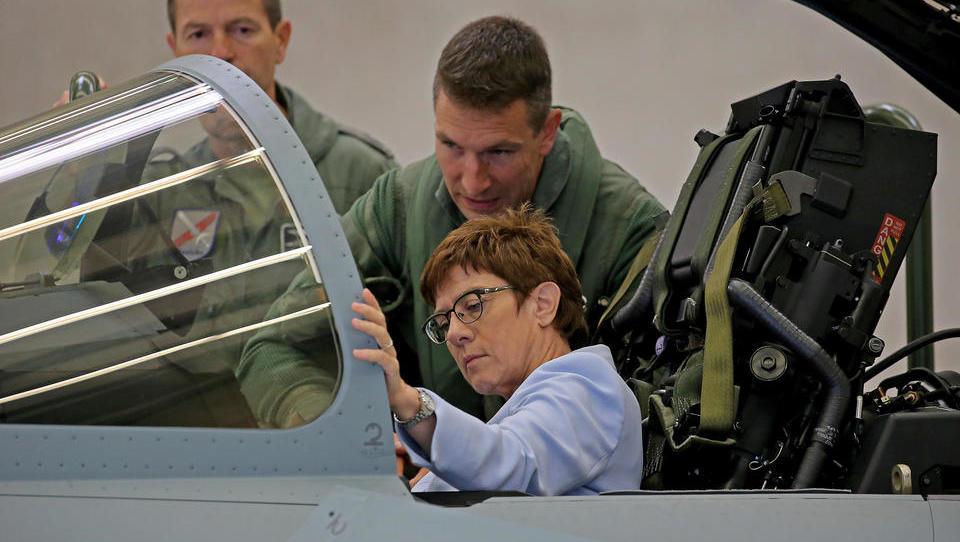 Verteidigungsministerium will Eurofighter und F-18 beschaffen