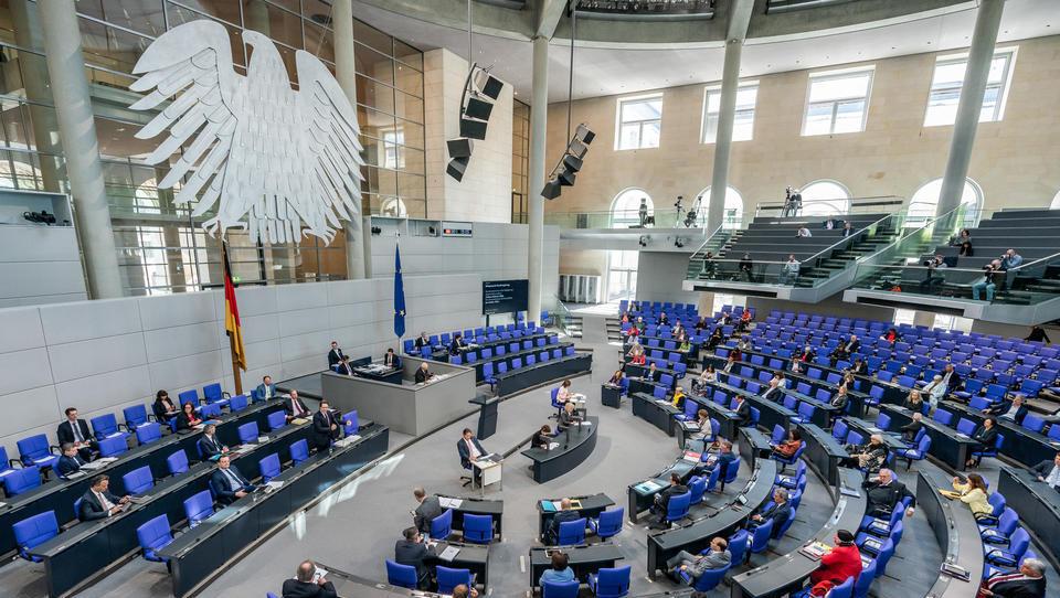 Parteien uneins über Staatshilfen für deutsche Unternehmen