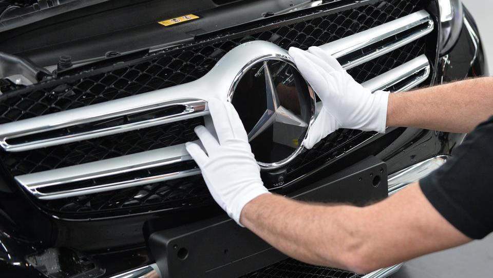 Corona beschert Daimler heftigen Gewinneinbruch im ersten Quartal