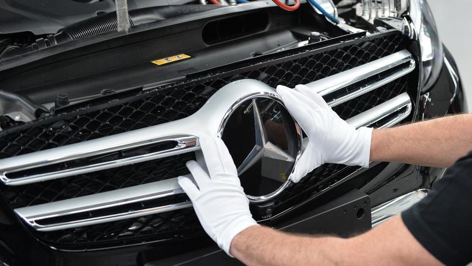 Streit bei Daimler über Stellenabbau verschärft sich