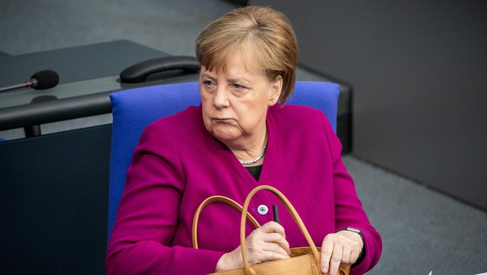 Merkel stimmt Deutsche auf höheren EU-Beitrag ein