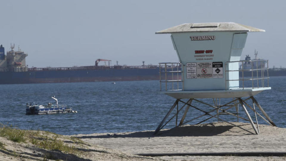 Dutzende Öl-Tanker parken vor Küste der USA