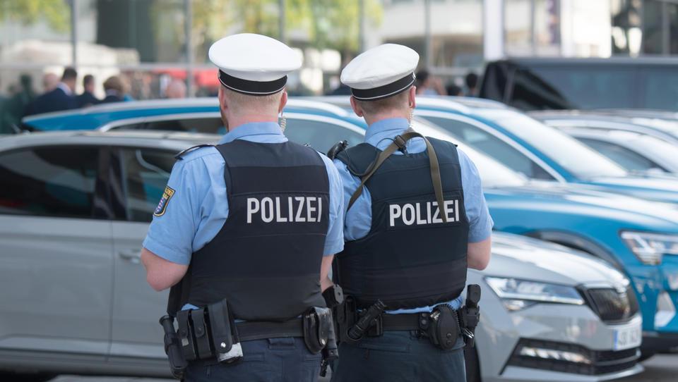 Neues Gesetz: Polizisten sollen Weltanschauung und Sexualleben offenlegen