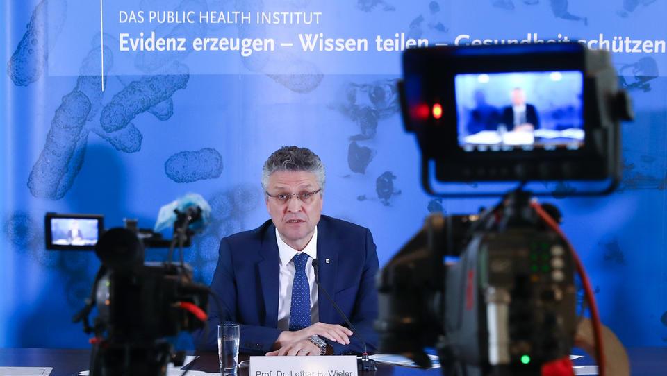 Corona-Ticker: Robert Koch-Institut sieht bedrohliches Aufflackern der Pandemie