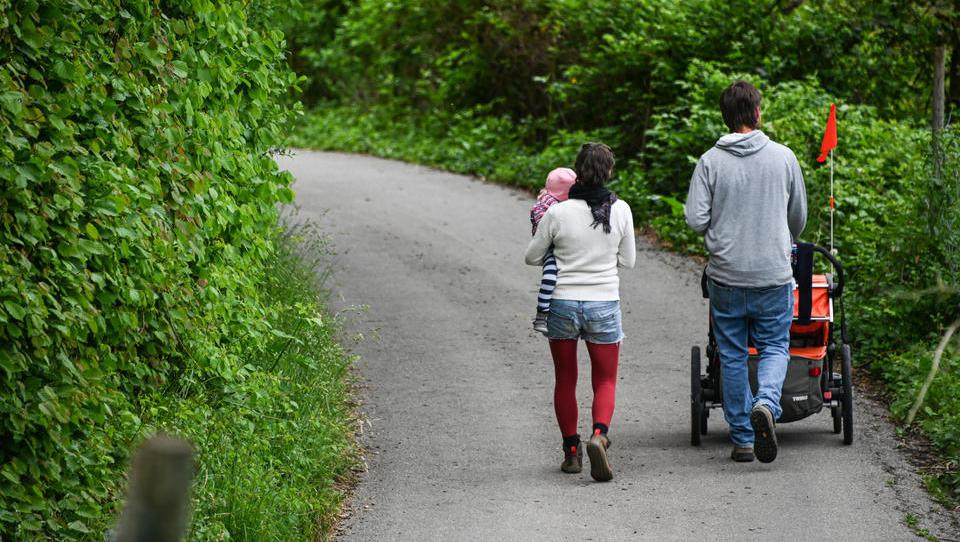 Teurer Spaziergang: Familie muss 1000 Euro Corona-Strafe zahlen