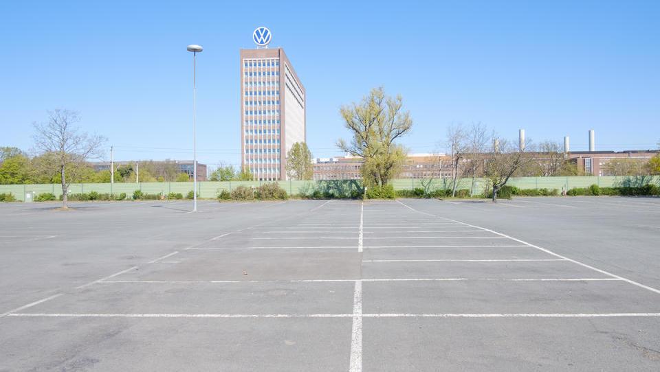 Deutsche Auto-Produktion fällt auf tiefsten Stand seit 1975