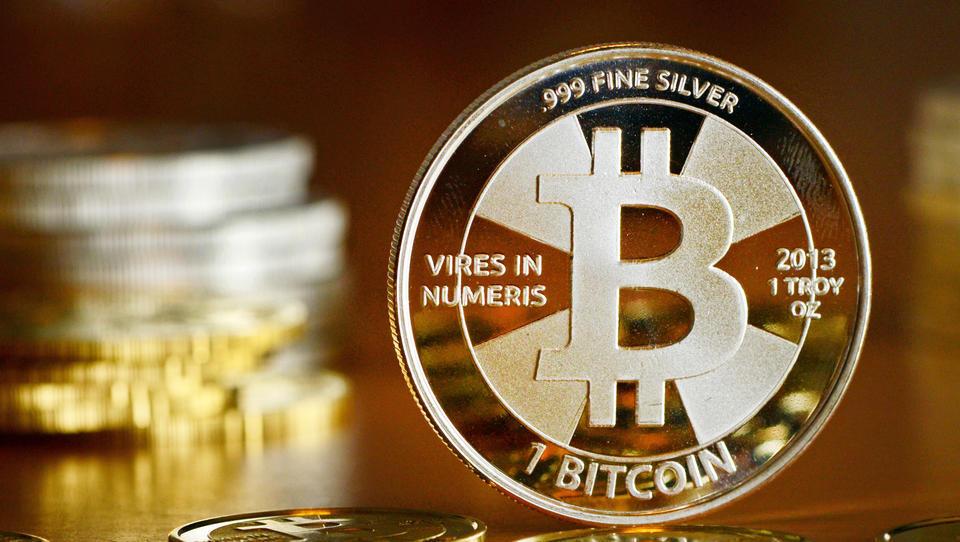 Bitcoin-Kurs steigt über 10.000 US-Dollar