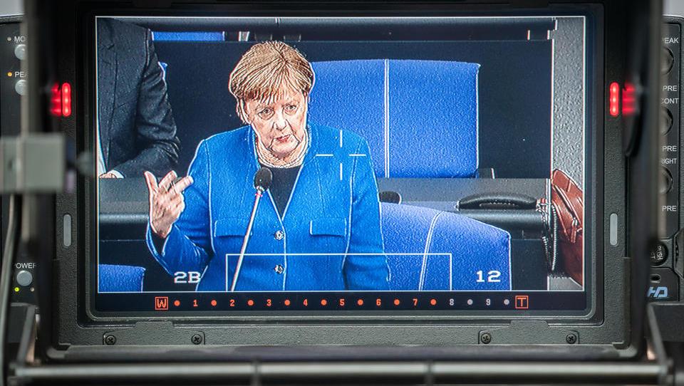 CDU-Manifest: Merkel will Überwachungs-Staat ausbauen