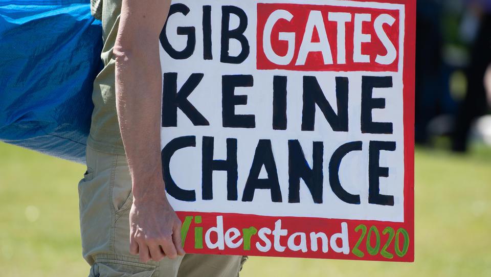 """Bill Gates """"tief besorgt"""" über die Verbreitung von Desinformation und Lügen"""