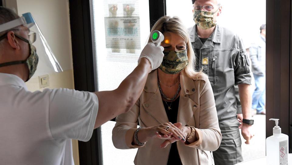 CORONA-TICKER: Österreich verschärft Maskenregeln, schränkt private Veranstaltungen ein