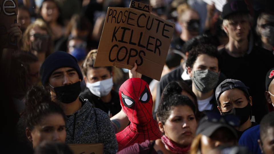 Anti-Rassismus-Demos: Teilnehmer infiziert, Mediziner befürchten zweite Corona-Welle