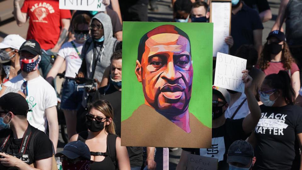 Bodycam-Mitschnitte: Rassismus spielte beim Tod von Floyd keine Rolle