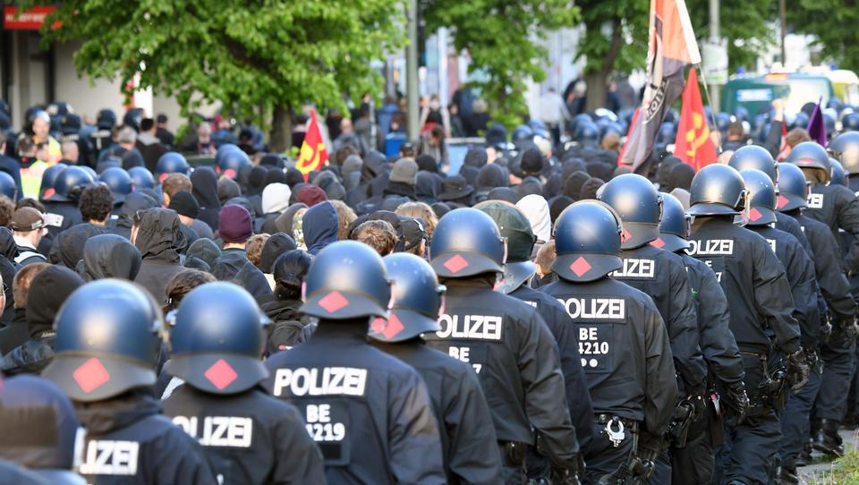 """""""Anti-Diskriminierungsgesetz"""": Bayern und Baden-Württemberg drohen Berlin mit Ende der Polizei-Kooperation"""