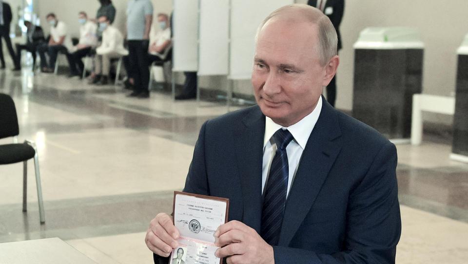 Briten behaupten: Putins Hacker wollen Corona-Impfstoff klauen