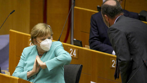 """Merkel: """"Mit Lüge und Desinformation lässt sich die Pandemie nicht bekämpfen"""""""