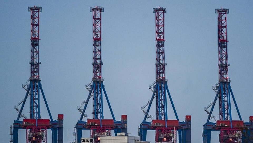 Deutsche Exporteure schöpfen Hoffnung: Chinas Außenhandel legt unerwartet stark zu