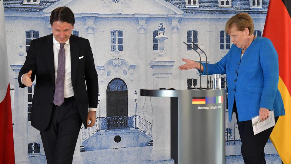 Neue italienische Partei trommelt für EU-Austritt: