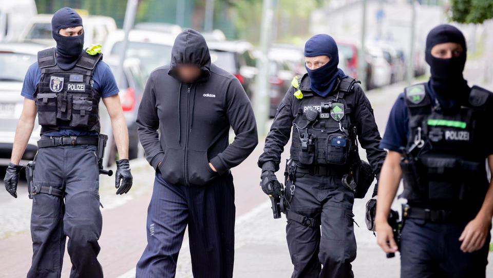 Razzia bei Islamisten-Szene in Berlin: 450 Polizisten im Einsatz