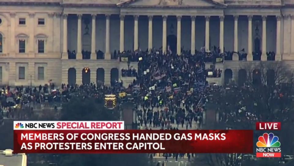 Anhänger von Trump stürmen US-Kongress, Washington verhängt Ausgangssperre