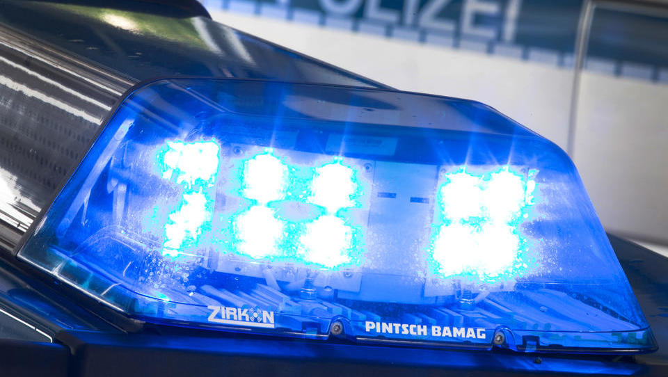 Wieder illegales Rennen auf Berliner Kudamm: Zwei Schwerverletzte, Täter flüchten zu Fuß