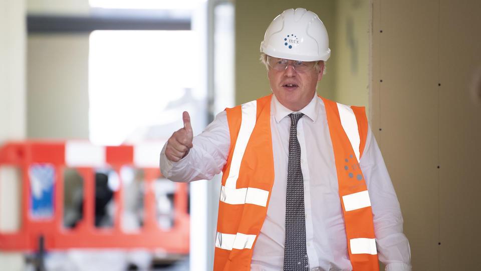 Großbritannien veröffentlicht gefälschte Arbeitslosenraten, Wirtschaft bricht massiv ein