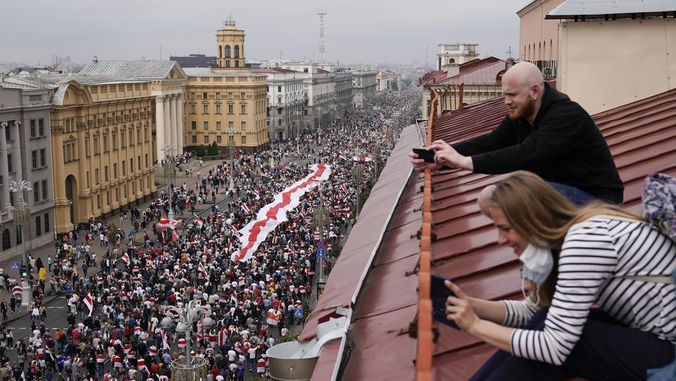 Russlands Top-Spion: USA finanzieren Proteste in Weißrussland mit 20 Millionen Dollar