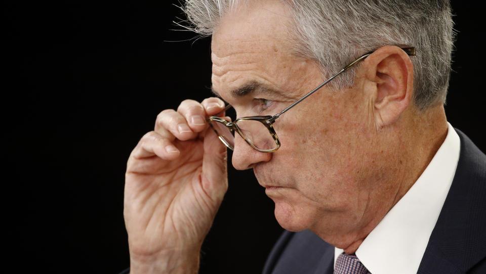 US-Notenbank hebt Konjunkturprognose an, Leitzins soll bis 2023 niedrig bleiben