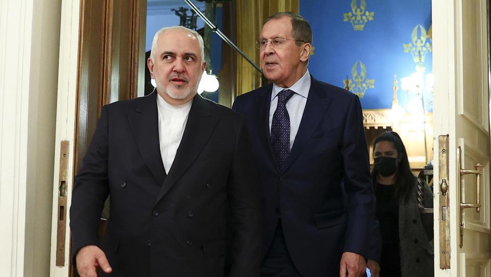 Bericht: Russland und Iran liefern Waffen an Armenien gegen Aserbaidschan