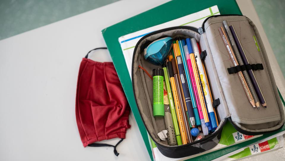 Wegen Corona: Decken und Schals gehören für Schüler bald zur Grundausstattung