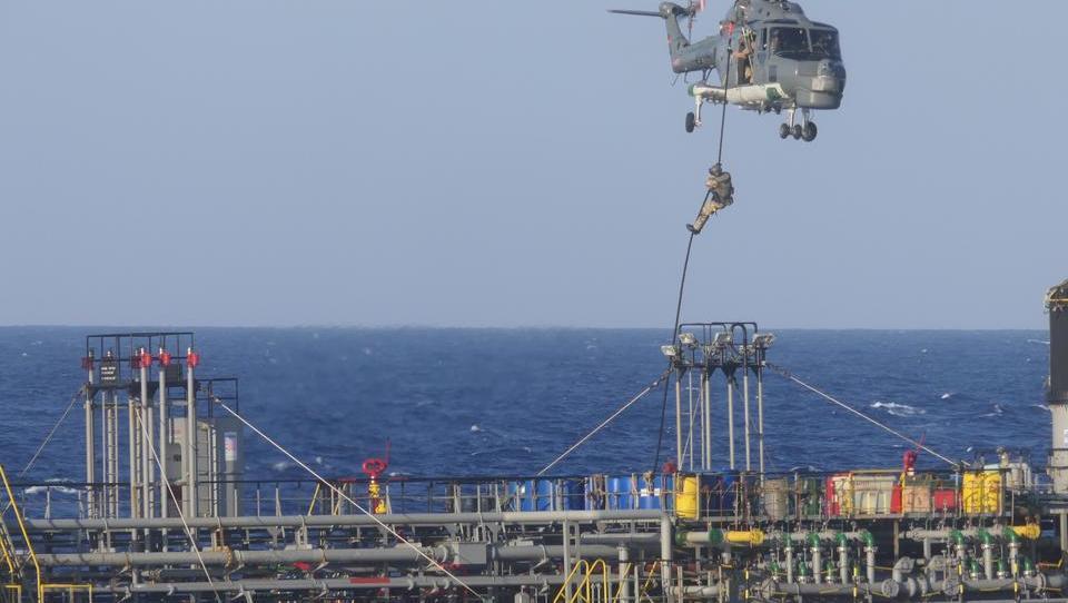 Bundeswehr-Einsatz gegen türkisches Frachtschiff löst diplomatische Spannungen aus