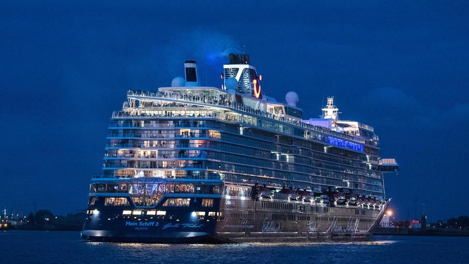 Wegen Corona: Kreuzfahrt-Schiffe werden verschrottet