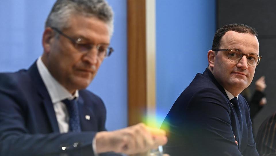 Gesundheitsminister Jens Spahn will seine im März erhaltenen Sonderrechte unbegrenzt verlängern