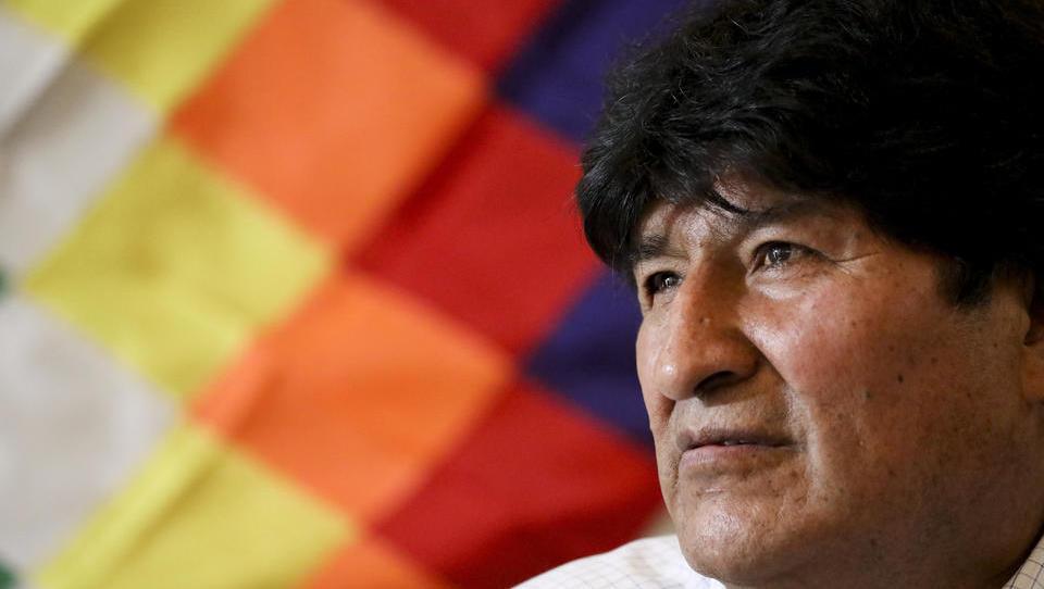 Stunde Null: Verbündeter des gestürzten Präsidenten Morales gewinnt Wahl in Bolivien