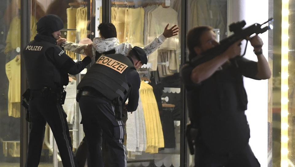 Terror in Wien: Bundesheer wird eingesetzt, alle Polizei-Spezialkräfte im Einsatz