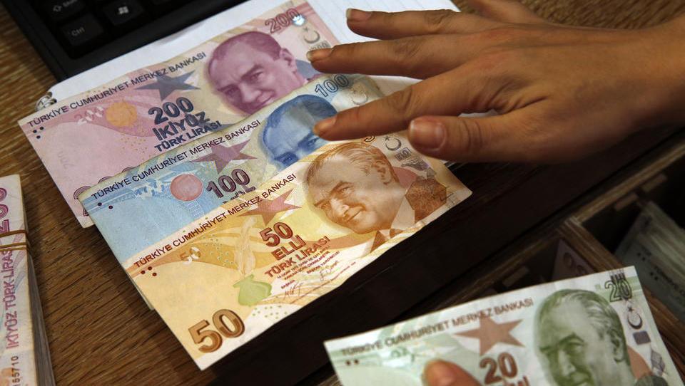 Nach Rücktritt des Finanzministers: Türkische Lira erholt sich kräftig