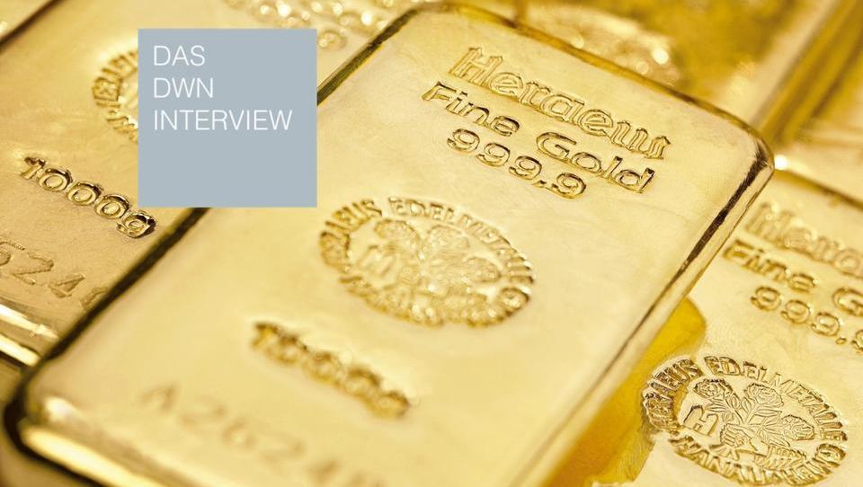 Finanzexperte Max Otte: Aktien von Goldminen und Öl-Konzernen dürften steigen