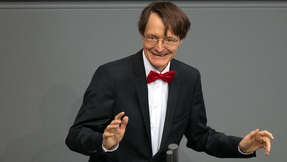 """DHB-Vize platzt der Kragen: """"Für Karl Lauterbach geht es scheinbar darum, seinen Marktwert in Talkshows zu steigern"""""""