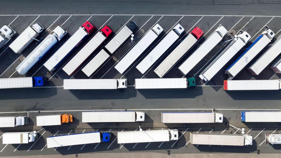 Die Realität beginnt: Lieferengpässe und steigende Kosten dämpfen Aufschwung der deutschen Industrie
