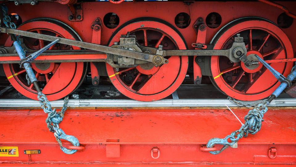 Materialmangel bremst deutsche Industrie aus